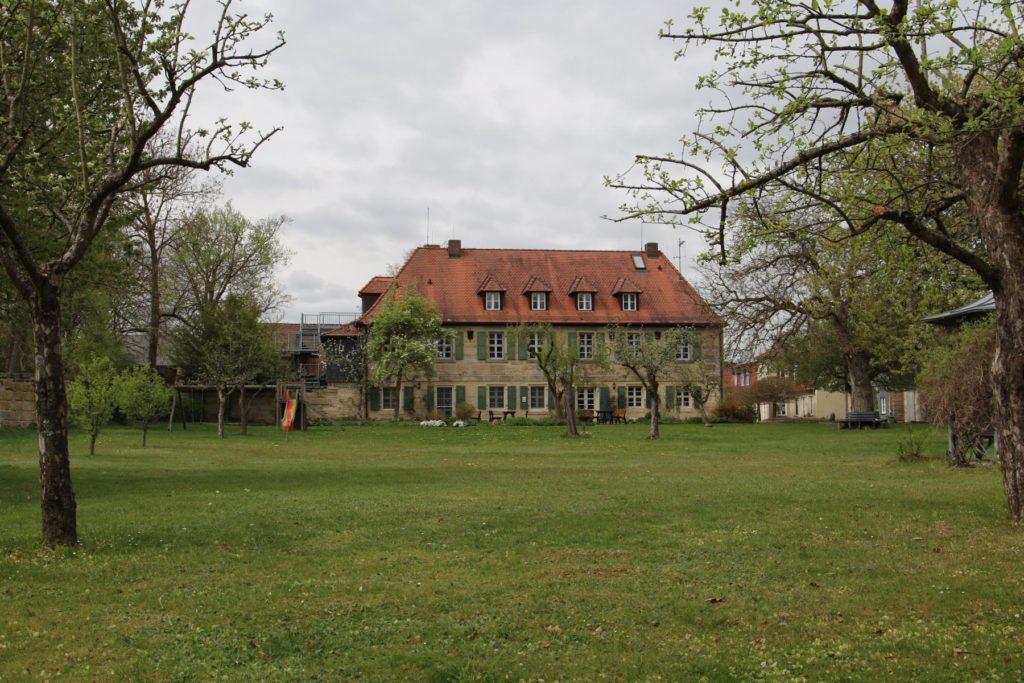 Garten hinter dem Altbau