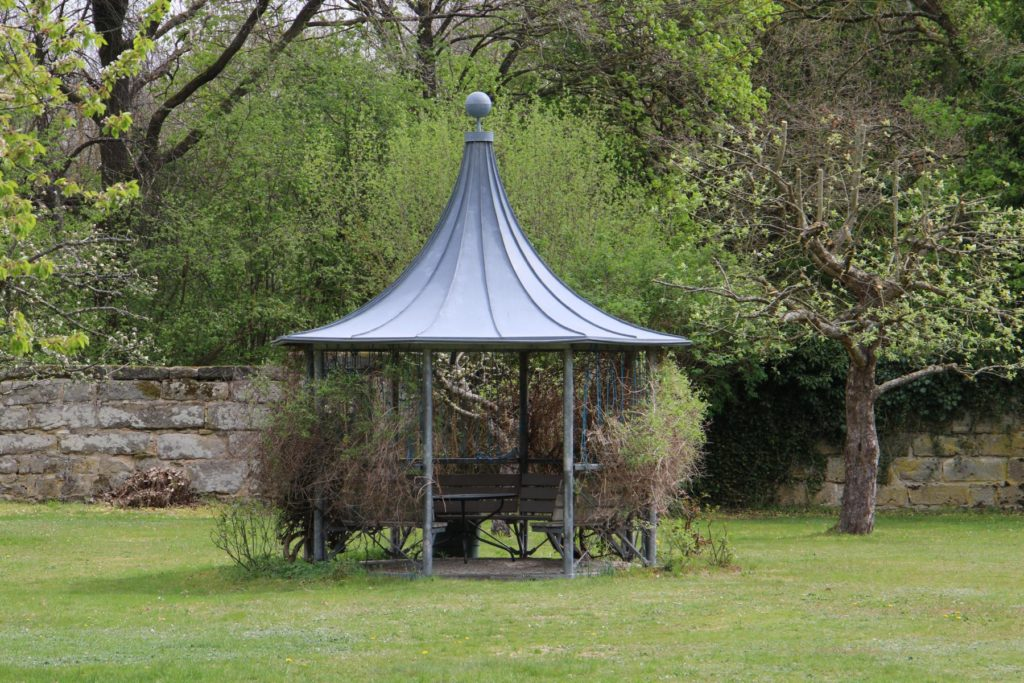 Pavillon im Garten